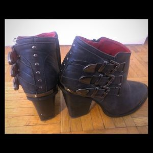 Jeffrey Campbell size 6 black buckle boots